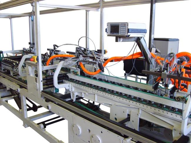 Sondermaschinenbau - Escomat Karton-Falt- & Klebemaschine - Bild 1