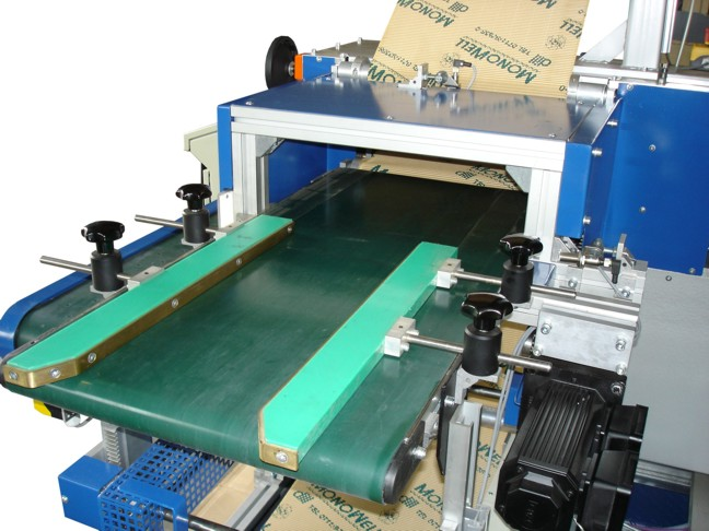 Wellmatic Packaging Machine (feeding belt)